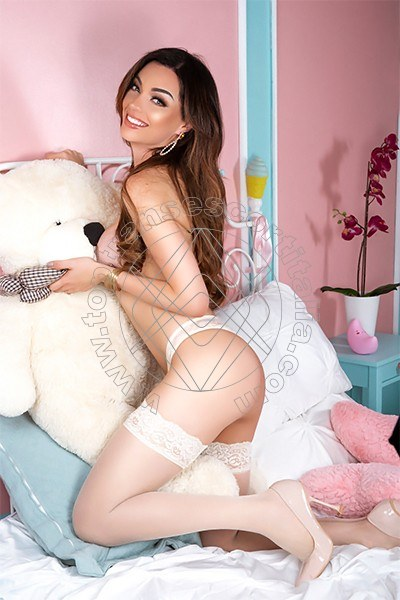 Vanessa Hilton ALESSANDRIA 3245846577